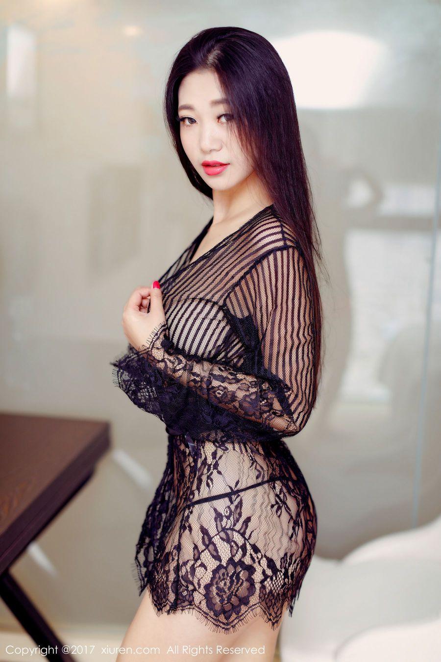 性感宋-KiKi真空小吊带黑色透明罩衫